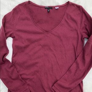 Urban Outfitters BDG V Neck sweater sz Large